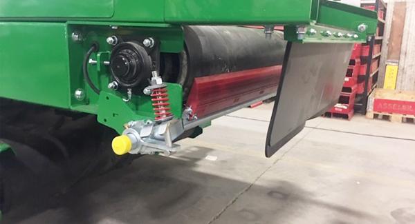 close up of Pit Skalper belt cleaner with spring-shoc tensioner