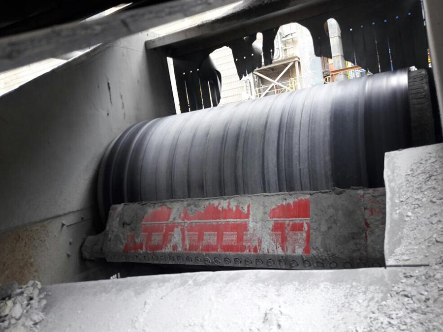 Skalper MDX system cleaning conveyor belt
