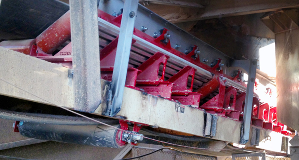 Conveyor Impact Bed with Tru Trainer Flat Return Idler